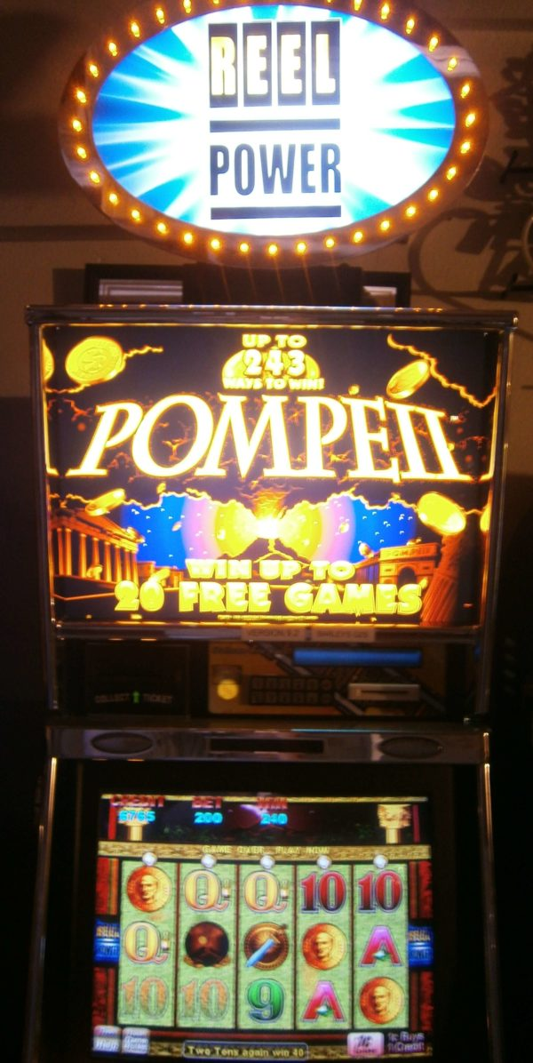 Aristrocrat Pompe 2 vegas slot machine for sale