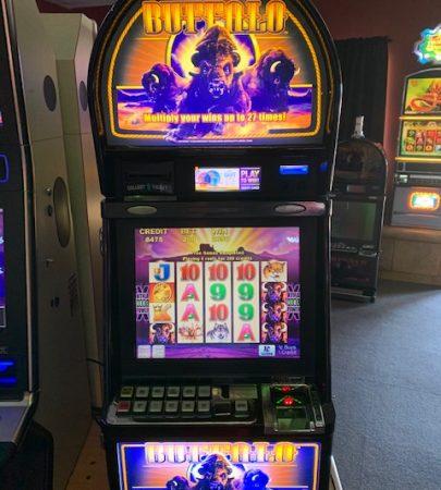 Aristrocrat Buffalo vegas slot machine for sale